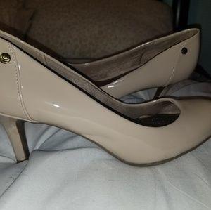 "2"" inch Cream Professional Heels"